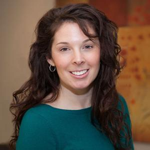 Heather Vaillancourt Headshot